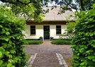 Bed and Breakfast door brand verwoest
